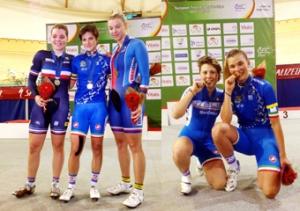 Maria Giulia Confalonieri, campionessa Europea Scratch al centro nella foto di sinistra